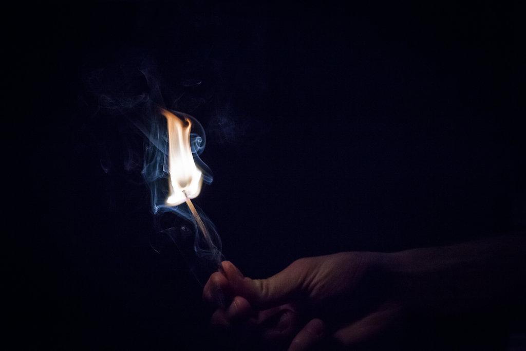 44/52 : Light me up